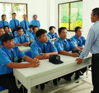 Doanh Nghiệp Có Nên Tự Đào Tạo Nhân Viên Bảo Vệ